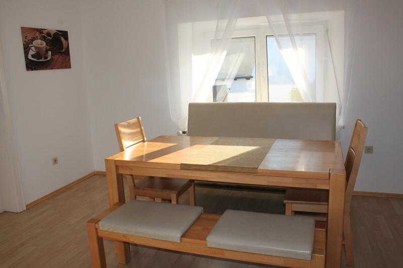 Esszimmer, Möblierung Ferienwohnung, Esstisch 6 Personen